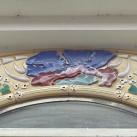 Reliefes homlokzat