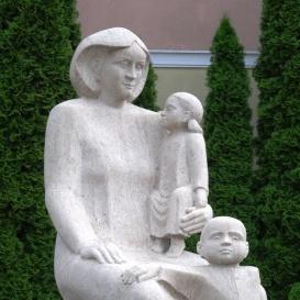 Anya gyermekeivel