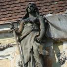 A Törvényszéki palota allegorikus épületdíszítő szobrai