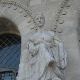 Építészet (A BME bejárati szobrai III.)