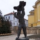 Sassal viaskodó ifjú - Partizánemlékmű