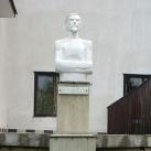 Ács Károly mellszobra