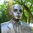 Bibó István szobra