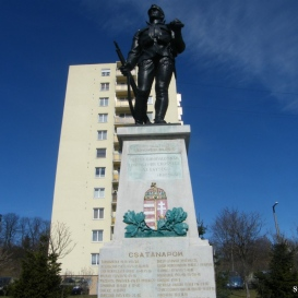 10-es honvéd-emlékmű