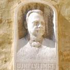 Ujhelyi Imre portrédomborműve