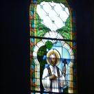 Szent Miklós templom üvegablakai