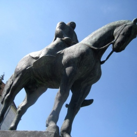 Kinizsi Pál lovas szobra