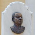 Klivényi Lajos prépost emlékműve