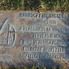 Hankóczy (Benacsek) Jenő emléktáblája