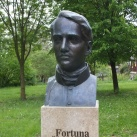 Faludi Ferenc mellszobra