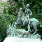 Szent György szobra