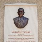 Mindszenty József domborműves emléktáblája