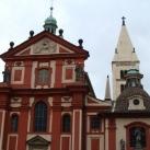 A Szent György-bazilika épületdíszítő szobrai