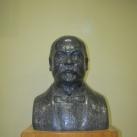 Dr. László Elek-mellszobor