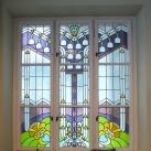 A Gutenberg Otthon lépcsőházának üvegalkotásai