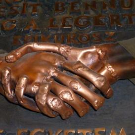 A Semmelweis Egyetem Baráti Köre emléktáblája