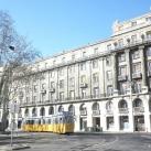 A Kossuth tér 13–15. tetőszobrai