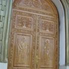 Ortodox templom faragott kapuja