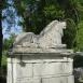 A Cziráky-kastély kapuőrző oroszlánjai