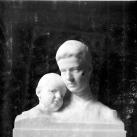 Gróf Széchenyi Gézáné és Lajos fia