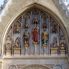 Szent László-, Szűz Mária- és Szent István-szobor