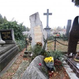 Mladonyeczky Béla síremléke