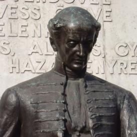 Kölcsey Ferenc szobra