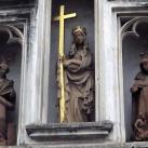 Szent Ilona templom homlokzati szobrai