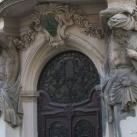 Janus Pannonius utca 5. épületdíszek