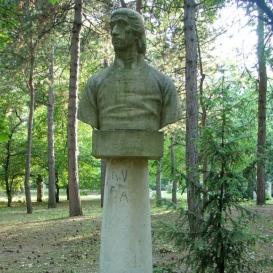 Csokonai Vitéz Mihály-mellszobor