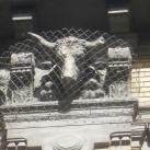 Hunyadi téri vásárcsarnok épületdíszítő szobrai