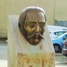 Pöltenberg Ernő fejszobra