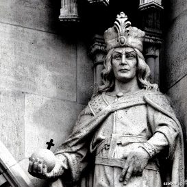 Országház - nyugati homlokzat: III. István