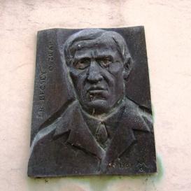 Dr. Becsey Oszkár-emléktábla