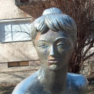 Kútfigura – Ülő nő