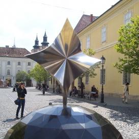http://www.kozterkep.hu/artpiece_photos/24/5610d577b6571ac72d08fb0b1459756b_4.jpg