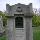 Kern S. Ferenc síremléke