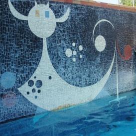 Szürrealista mozaik