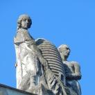 Frank-ház díszítő szobra