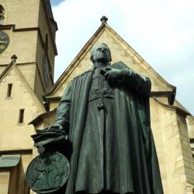 Georg Daniel Teutsch szobra