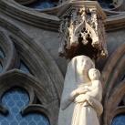 Madonna a kisded Jézussal