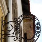 Borvirág-ház cégére