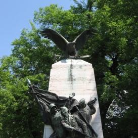 I. és II. világháború hőseinek és áldozatainak emlékműve