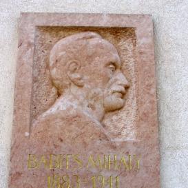 Babits Mihály domborműves emléktáblája