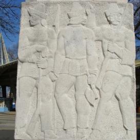 900 éves évfordulós emlékmű