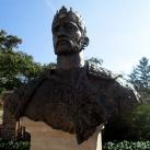 Szent István király-mellszobor