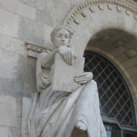 Vegyészet (A BME bejárati szobrai IV.)