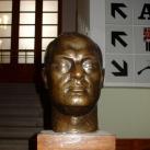 Komjádi Béla-fejszobor