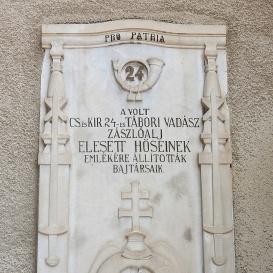 Az egykori Cs. és Kir. 24-es tábori vadászzászlóalj elesett hőseinek emléktáblája