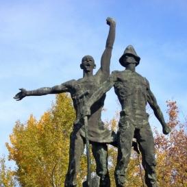 Földmunkás-emlékmű